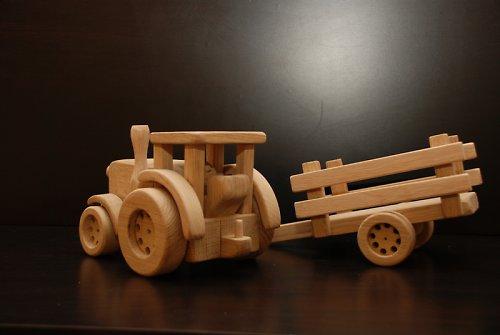 Traktor s vlečkou + náklad