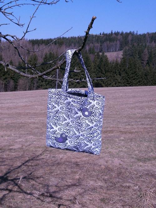 Krásná vzorovaná kabelka