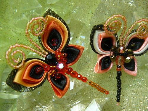 Kanzashi motýlková brož oranžových odstínů