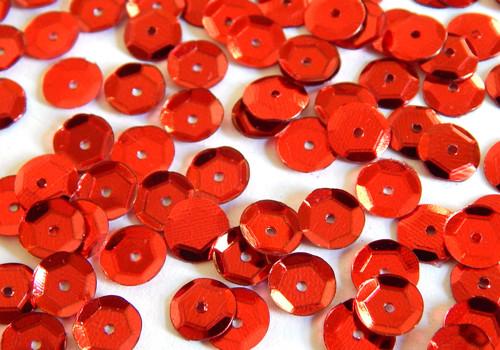 Flitry s dírkou, kulaté, našívací, červená