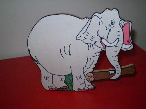 Stojánek na tužky - slon