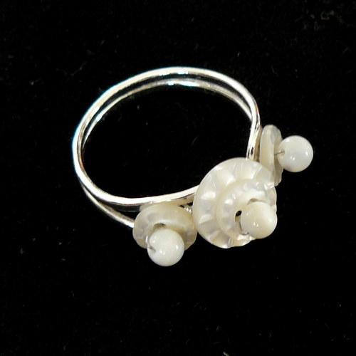 Prsten s perletí