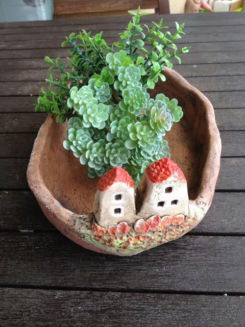 Keramická miska s domky