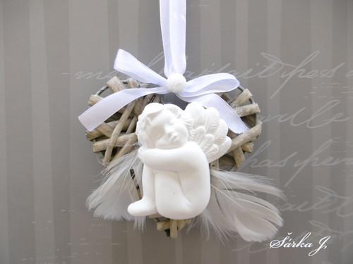andělské snění - snící andílek na srdíčku