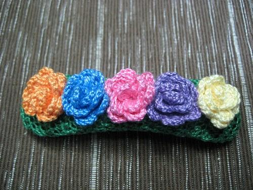 Rozkvetlá louka - háčkovaná spona do vlasů