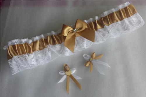 Zlaté vývazky a krajkový SW podvazek