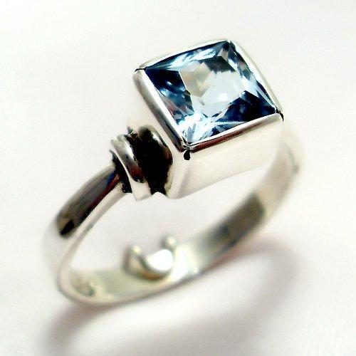 Prsten Čtverec - stříbro 925/1000, modrý topaz