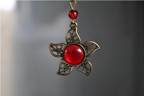 červená v bronzové ... (kočičí oči)
