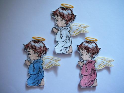 Nášivka modlící se andílek