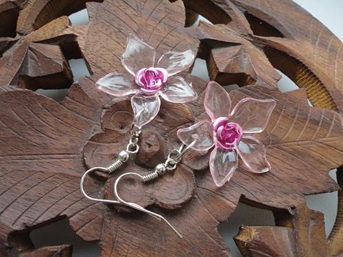 Květy růžové transparentní