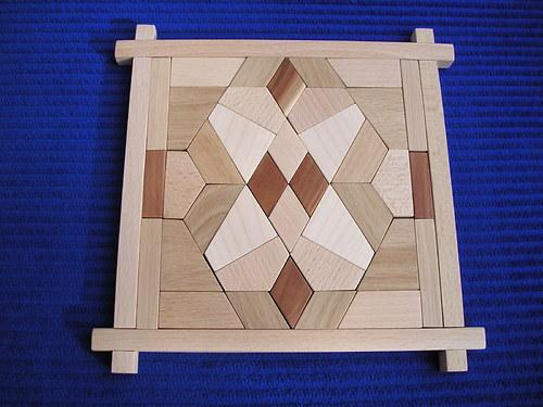 Elastika - dřevěná skládačka