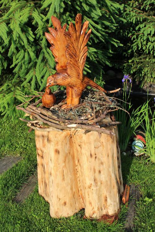 Dekorácia do záhrady: Orel s malým