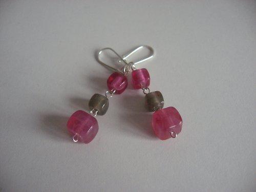 růžové kostičky