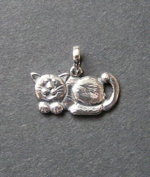 Kočka - stříbrný přívěsek