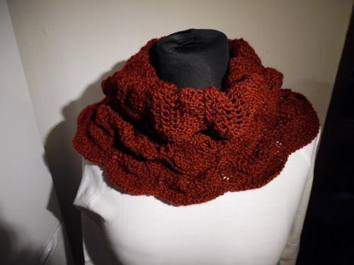 Ručně pletený nákrčník Caramella