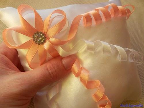 Svatební polštářek pod prstýnky