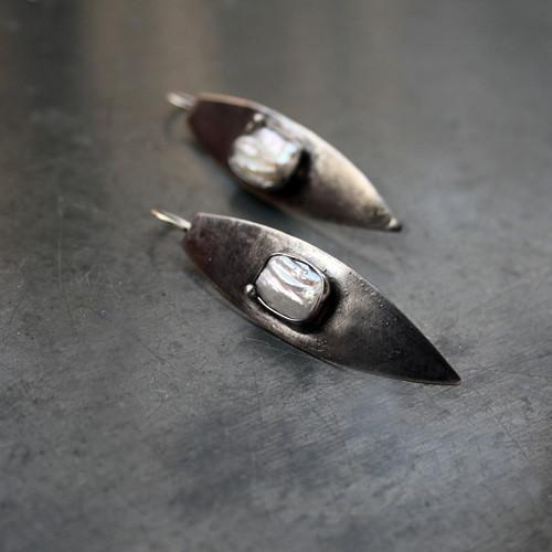 Náušnice s perlou Listy
