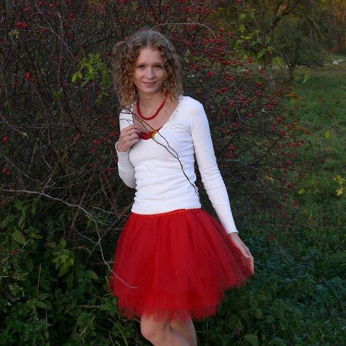 Červená tylová sukně-SKLADEM