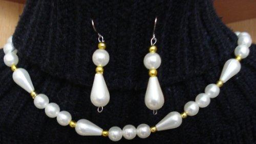 náušnice a náhrdelník