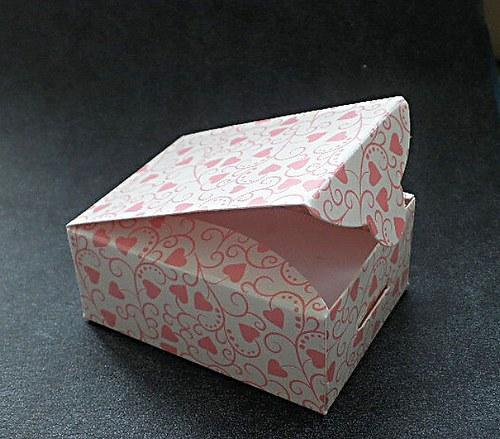 Krabička se srdíčky - 1ks