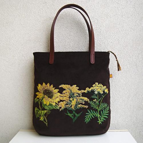 Menčestrová taška na veľ.A4 tmavohnedá/žlté kvety