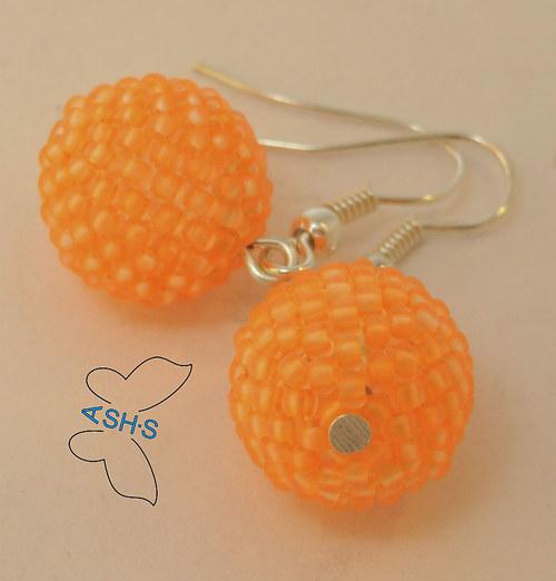 Oranžové neonové kuličky