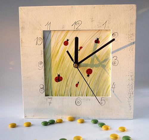 hodiny s velkou kukačkou - berušky