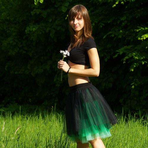 Černo-zelená tylová sukně