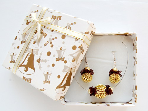 zlatá krabička na šperky