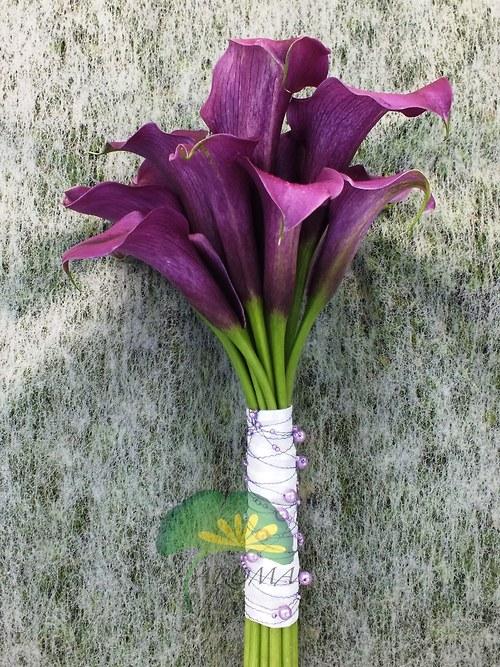Svatební květina ***fialové kaly