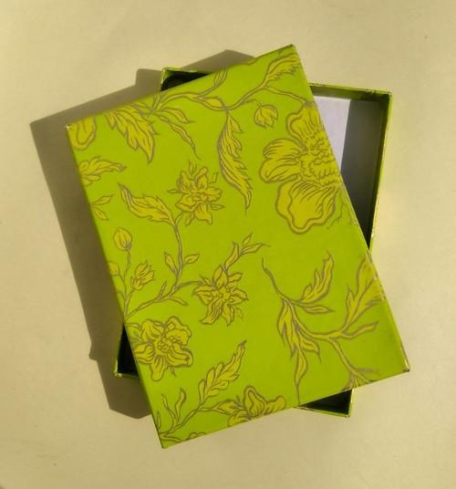 krabička HONZA - zelená s květy