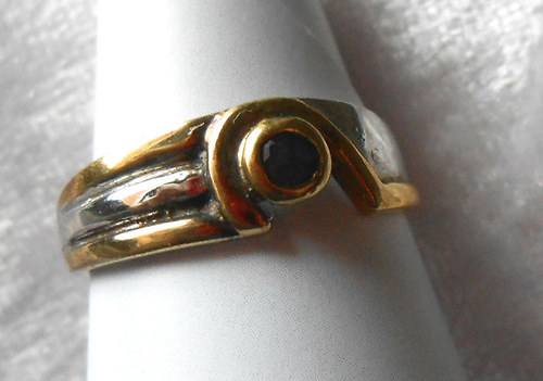 Stříbrný prsten - Safír