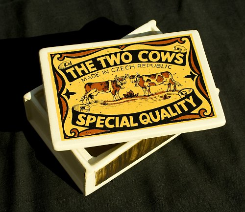Krabička The Two Cows