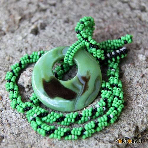 Náhrdelník se zeleným donutem