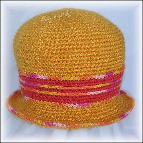 Háčkovaný klobouk Zlatice