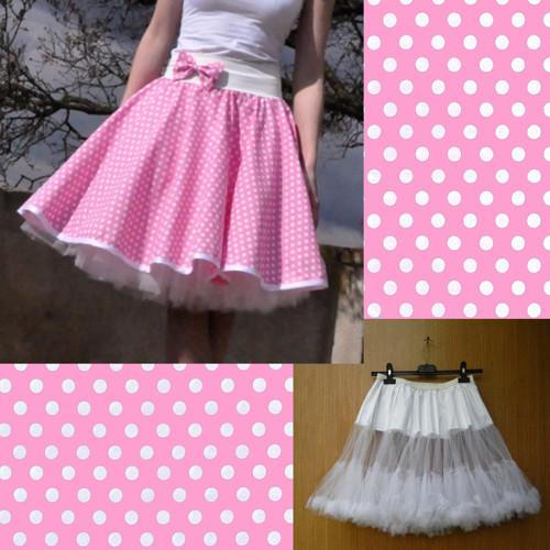 Sv. růžová puntík. sukně+objemnější bílá spodnička