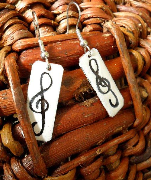Hudba uchu lahodící...