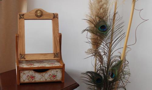 Šperkovnice (toaletka) se zrcadlem