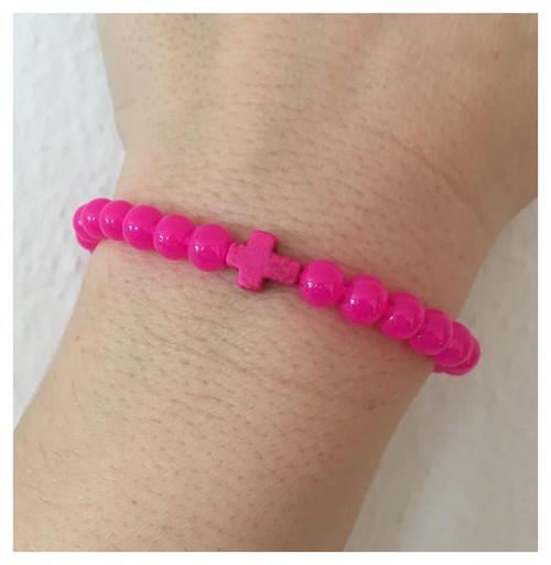 Pink náramek s křížkem - shamballa