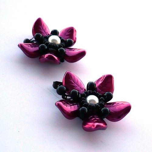 Růžovočerná kvítka - náušnice