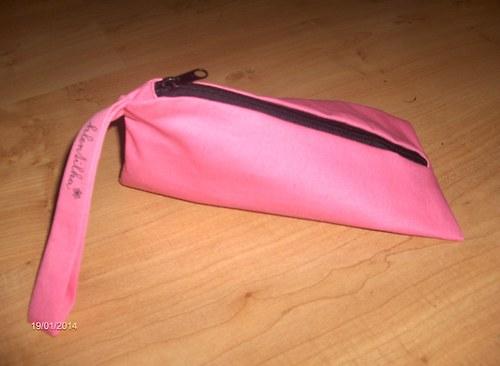 Růžový penál, kosmetička