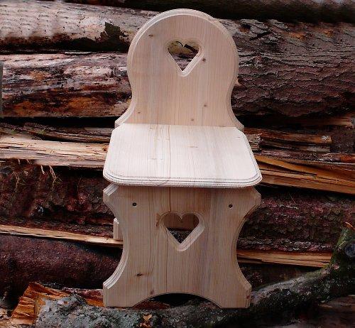 Dřevěná židlička