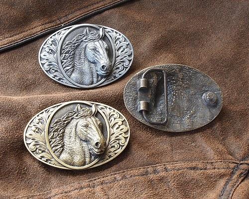 Buckle - Kůň s hřívou