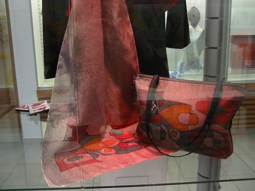 set- šála+ kabelka-originál-kresba na hedvábí