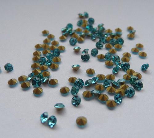 šatony světle modrá 2,2mm 30 kusů