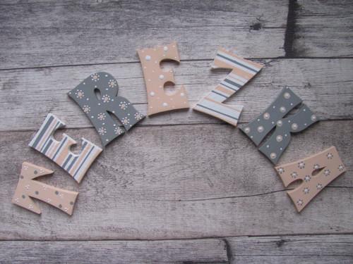 Dřevěná písmenka TEREZKA  6 cm