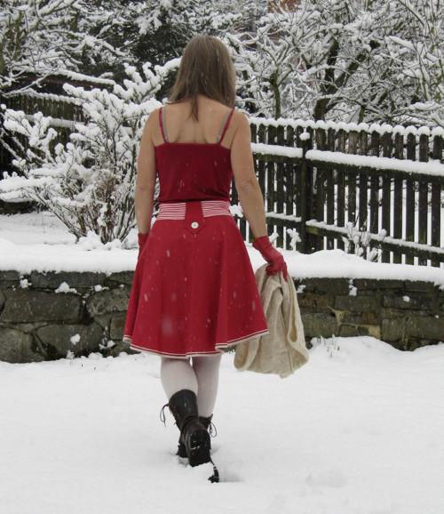 Co asi dělá Karkulka v zimě - sukně