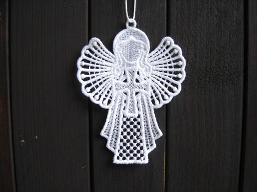 Krajkový anděl