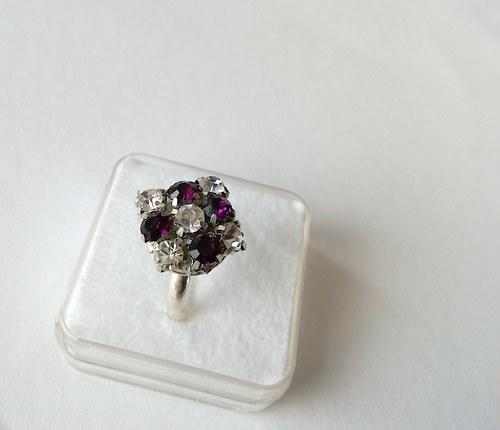 Prsten s kamínky