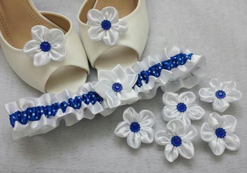 Puntíkatý kanzashi podvazek - bílá/tmavě modrá